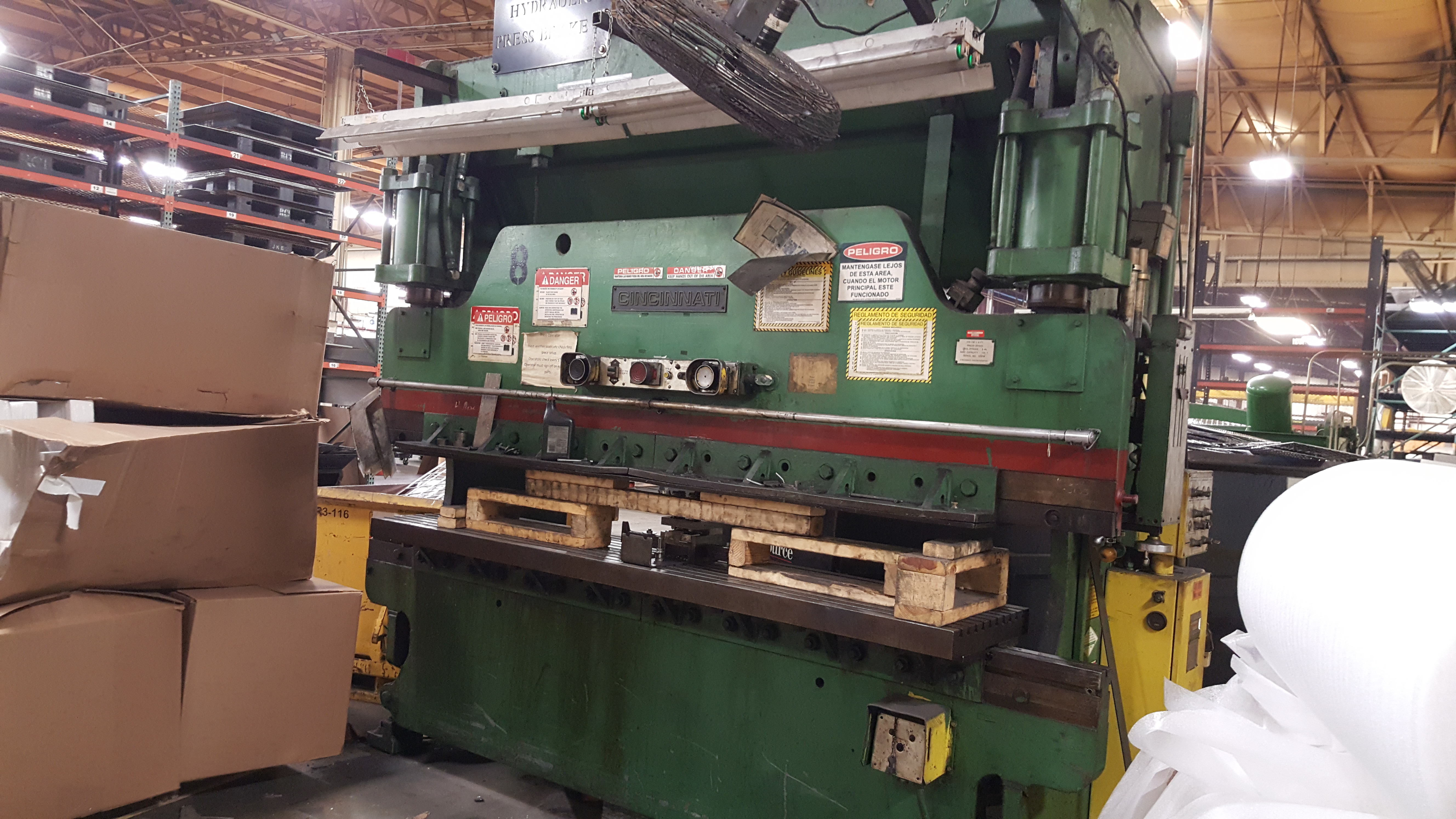 Press Brake : 135 Ton X 10' Cincinnati Model 135CB CNC Press