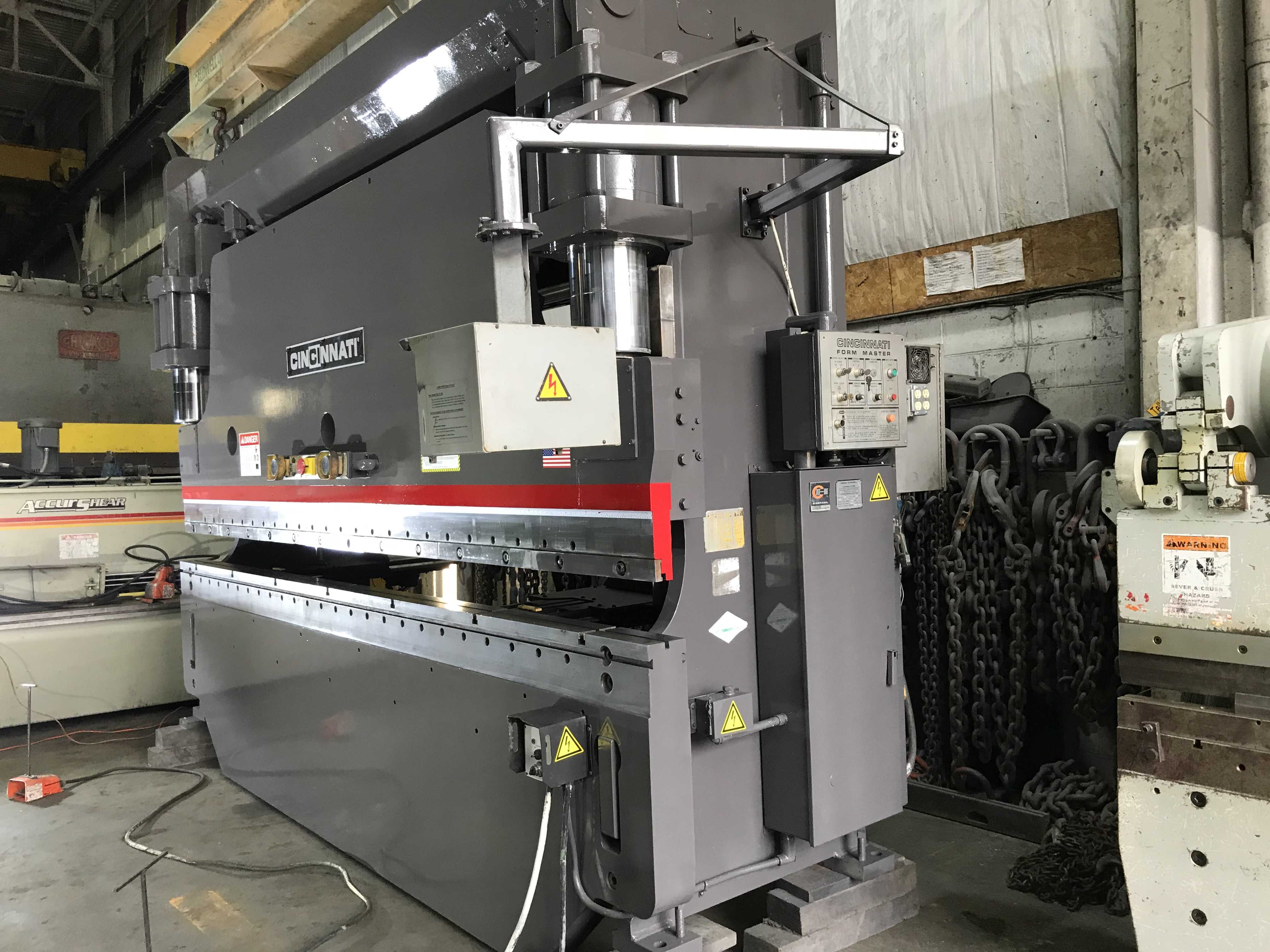 Press Brake : 230 ton X 14' Cincinnati 230FM12 Hydraulic