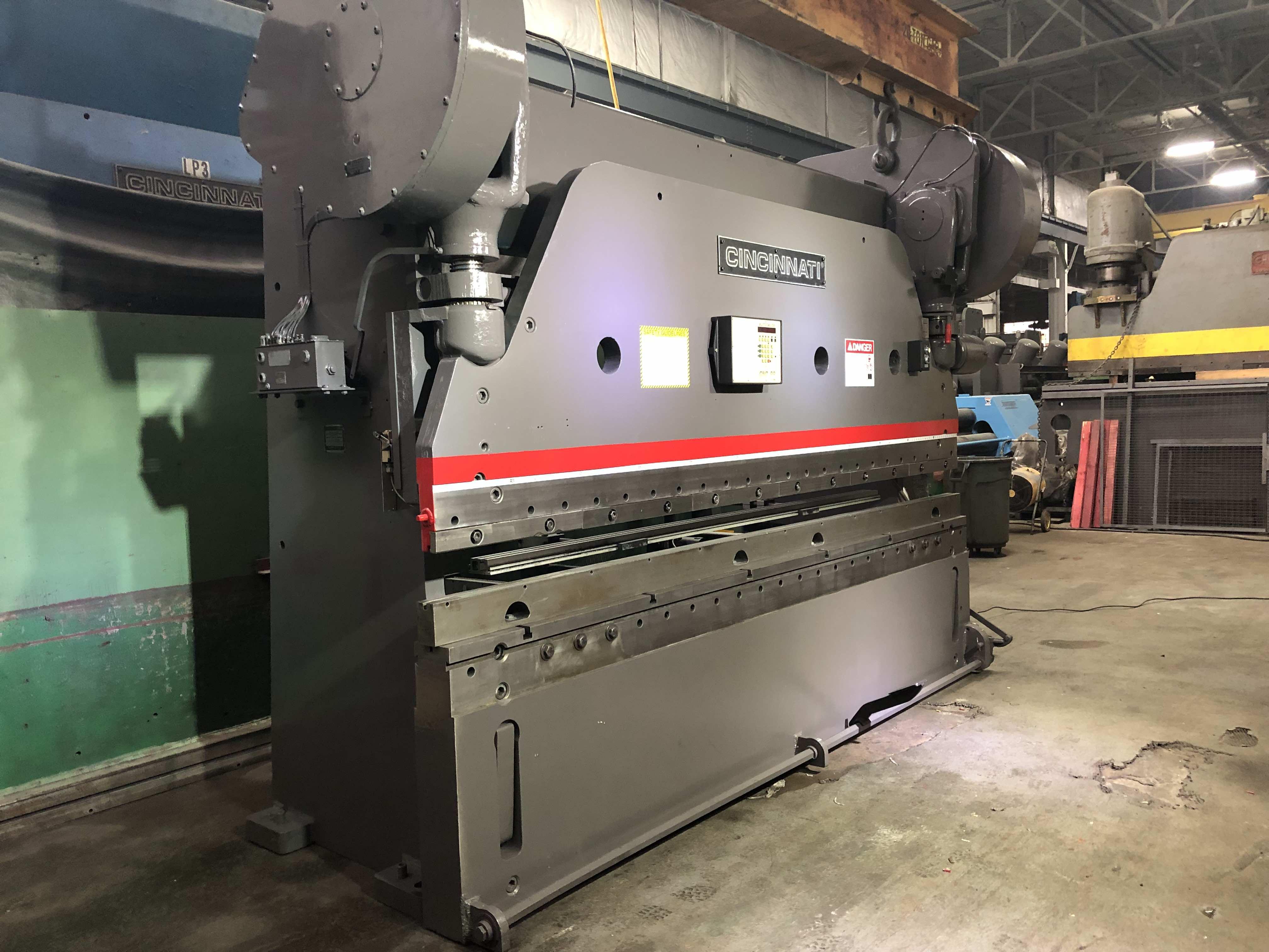 Press Brake : 225 Ton X 12' Cincinnati Series 9 Press Brake